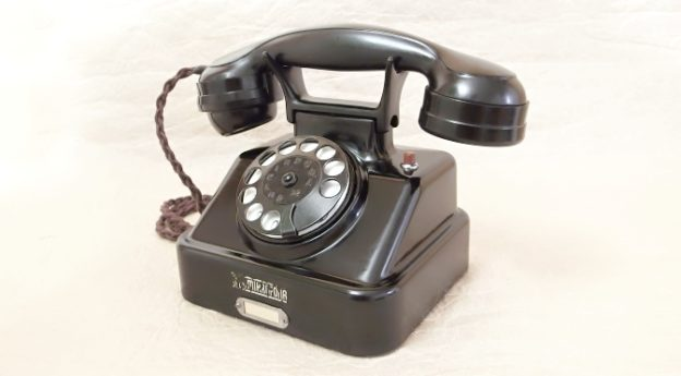 bakelitovy telefon Mikrofona renovovany
