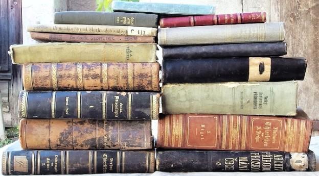 prodám staré knihy o zoologii geologii