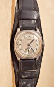 stare hodinky arcadia svycarske
