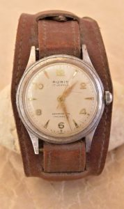 rubis stare svycarske hodinky