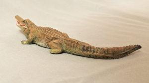 starozitna hracka krokodyl figurka