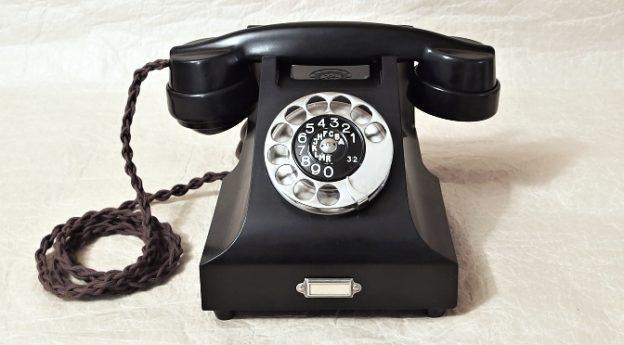bakelitovy telefon Prchal Ericsson po renovaci