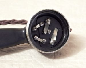 bakelitovy telefon Prchal BK vnitrek mikrofonu