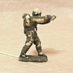 gumovy vojacek Bata stara hracka