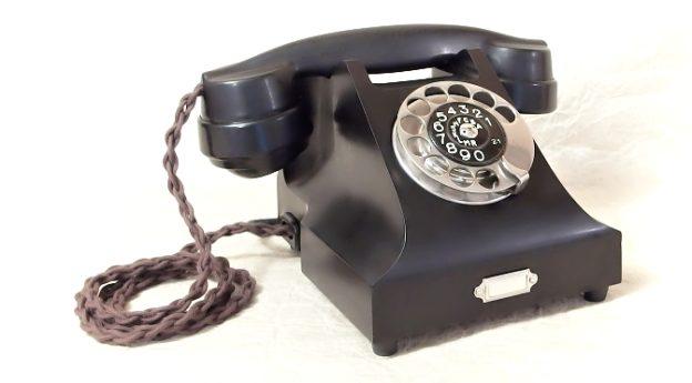 starozitny telefon Prchal Kolin renovovany